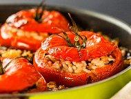 Рецепта Пълнени домати с ориз, гъби и лук печени на фурна